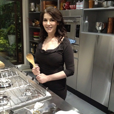 Nigella on set