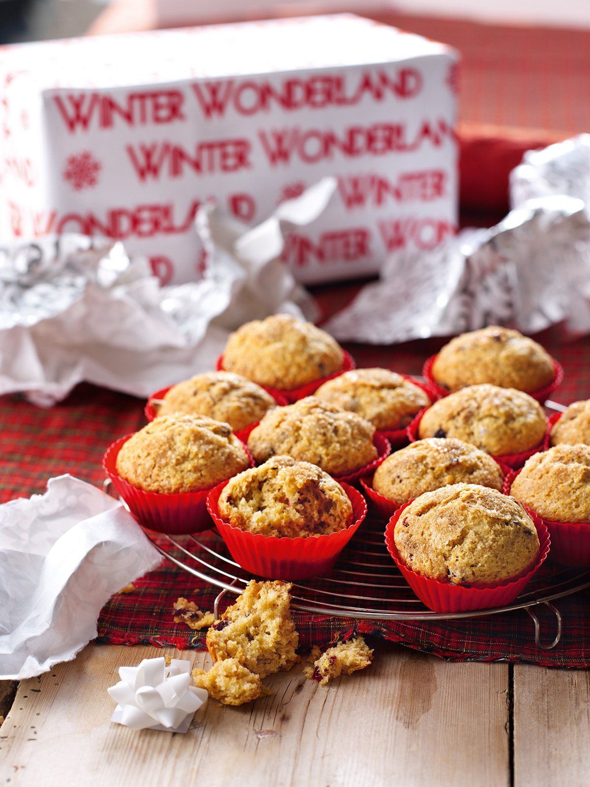 Apr 23, · Nigella Lawson's Chocolate Banana Muffins Recipe Notes These muffins are really easy to make with just a handful of common pantry staples. Delicious still warm from the oven, these muffins will keep for 2 or 3 days in an airtight container in a cool place, if they last that long/5(5).