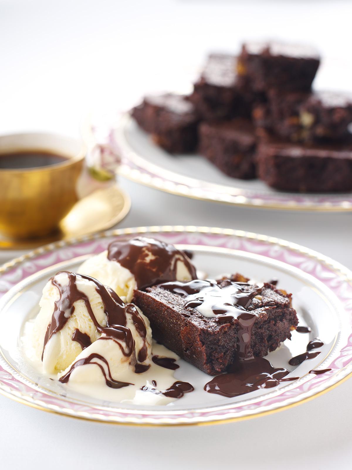 Flourless Chocolate Brownies With Hot Chocolate Sauce