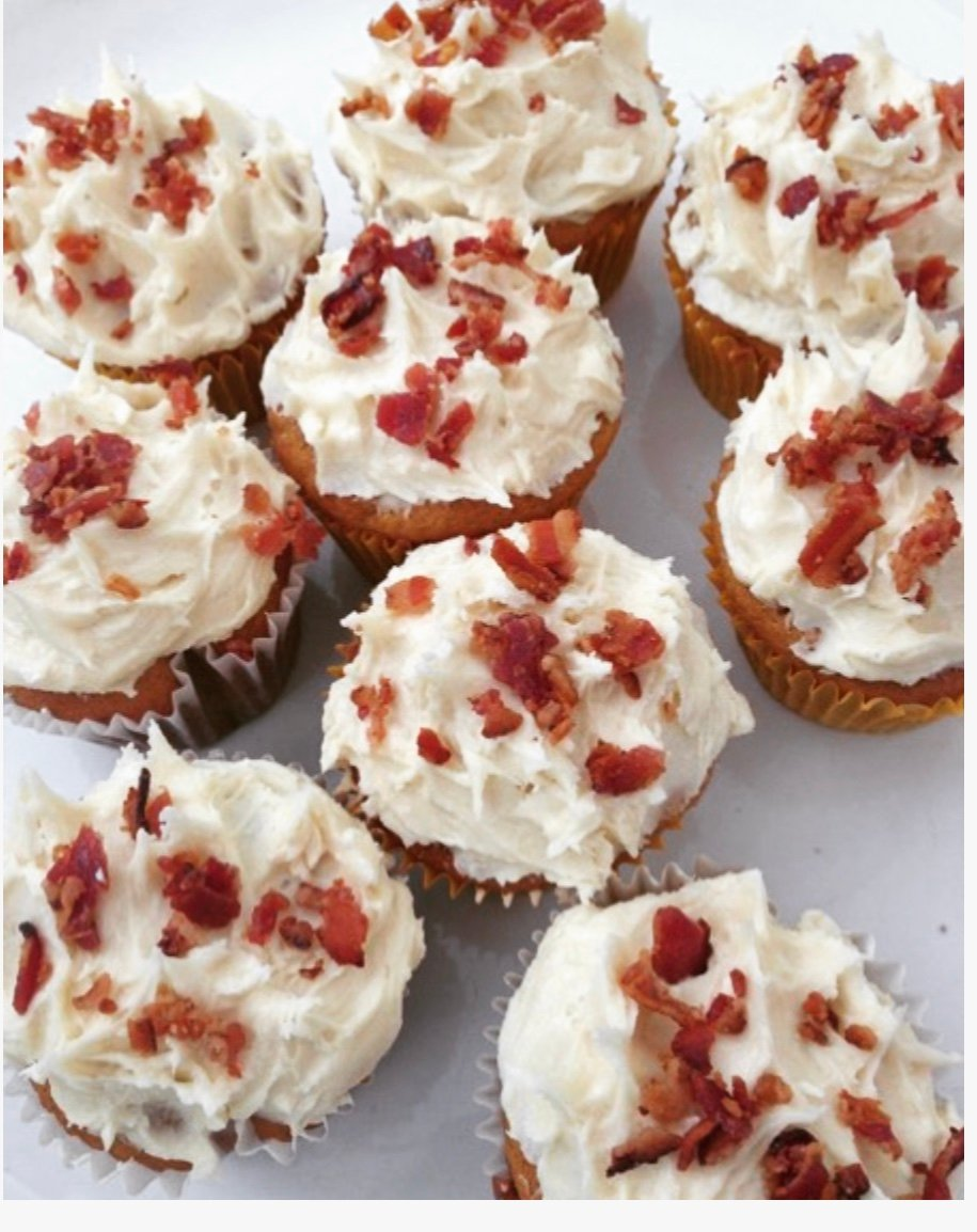 Maple Buttercream Cupcakes With Bacon Sprinkles