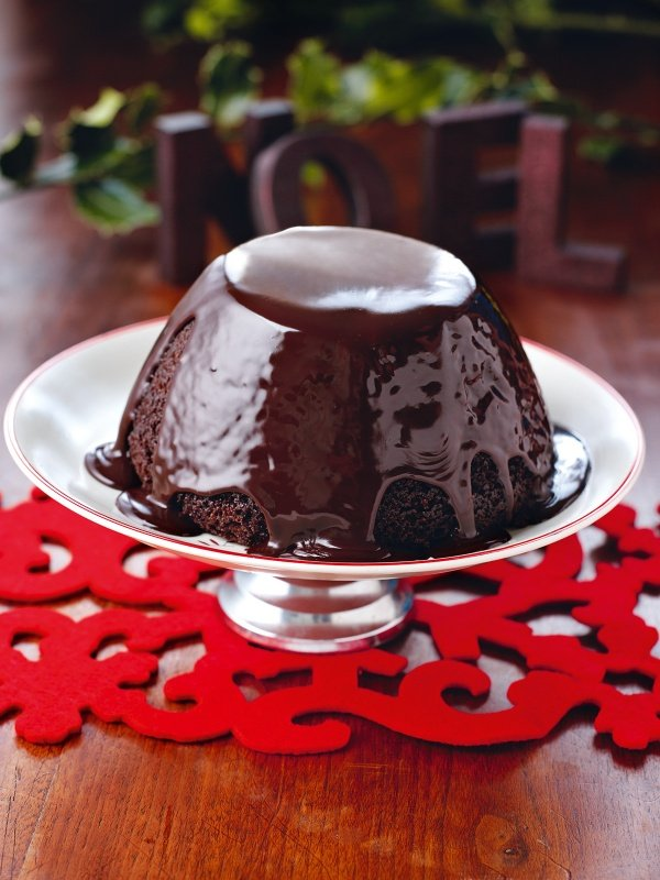 Christmas Dessert Recipes.Chocolate Pudding For Christmas Pudding Haters With Hot Chocolate Sauce
