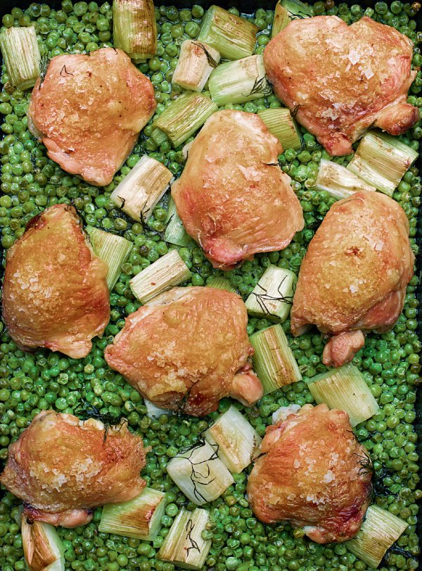 Image of Nigella's Chicken and Pea Traybake