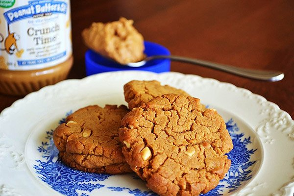 Gorgeously Golden Peanut Butter Cookies