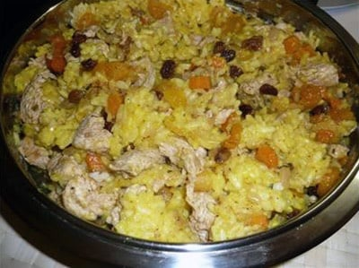 Rice Pilaf With Chicken Breasts, Raisins and Apricots
