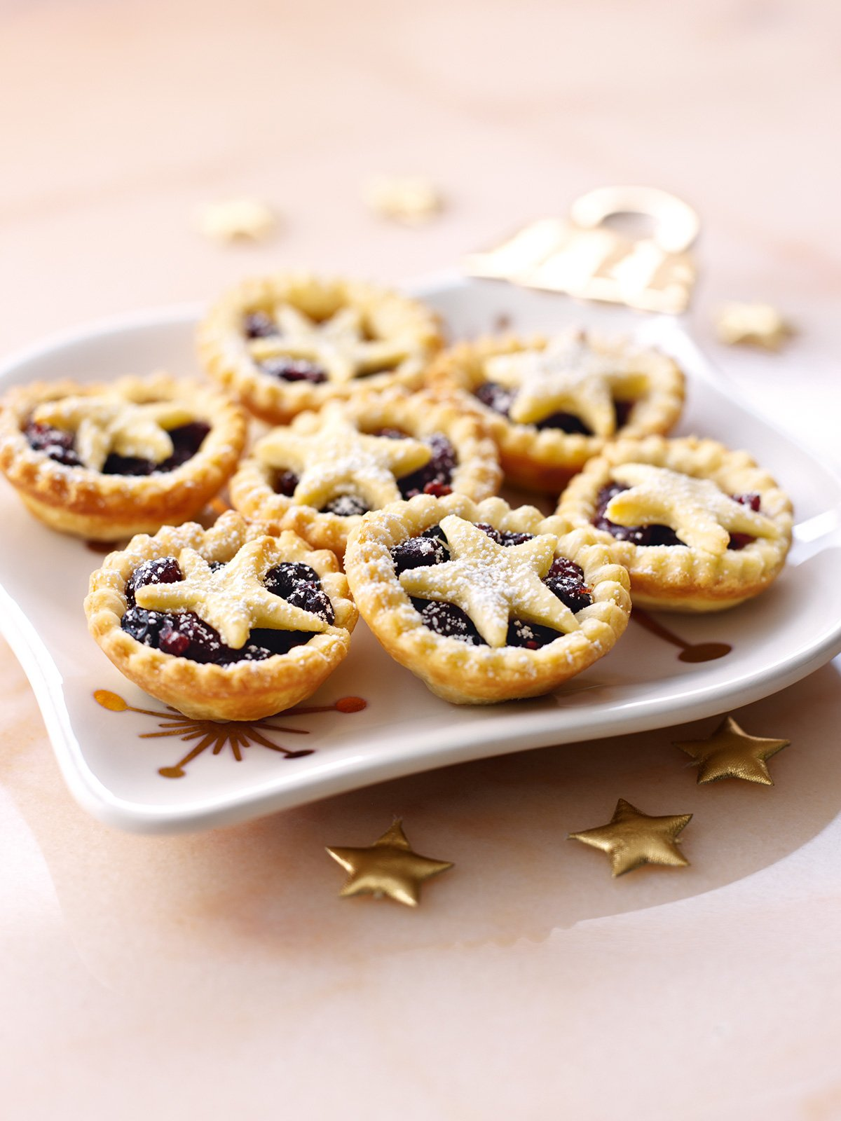star topped mince pies nigellas recipes nigella lawson - Christmas Pies